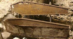 iron_coffin_1
